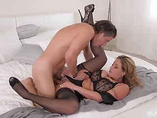 Busty Tits mommy Exposed - big melons
