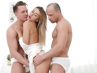 MFM menage a trois with X-rated DP-loving comme ci Tequila Girl