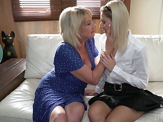 Svelte Hungarian chick Sarah Cute desires to lick grown-up pussy well