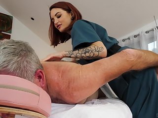 Cute masseuse Lola Fae rides turned on older customer in cowgirl affectedness